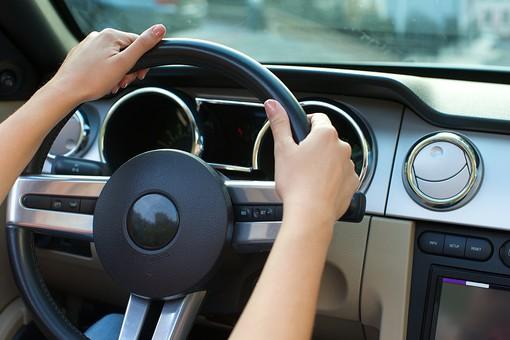 海外で運転免許は取得できる?切り替えと国際免許どっちがいい?