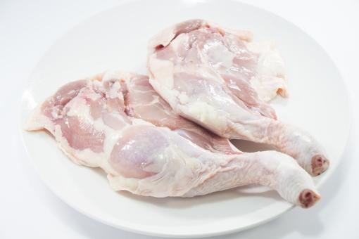 鶏もも肉の骨の取り方と上手な外し方。切り方のコツを覚えれば簡単!